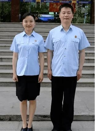 夏季短袖制服穿着方法